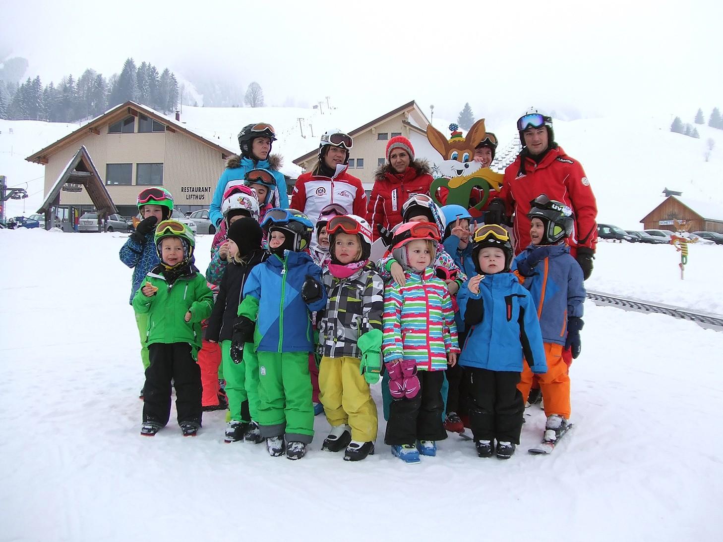 Buch: Ortsvereine ermöglichen Skitag für Kindergarten
