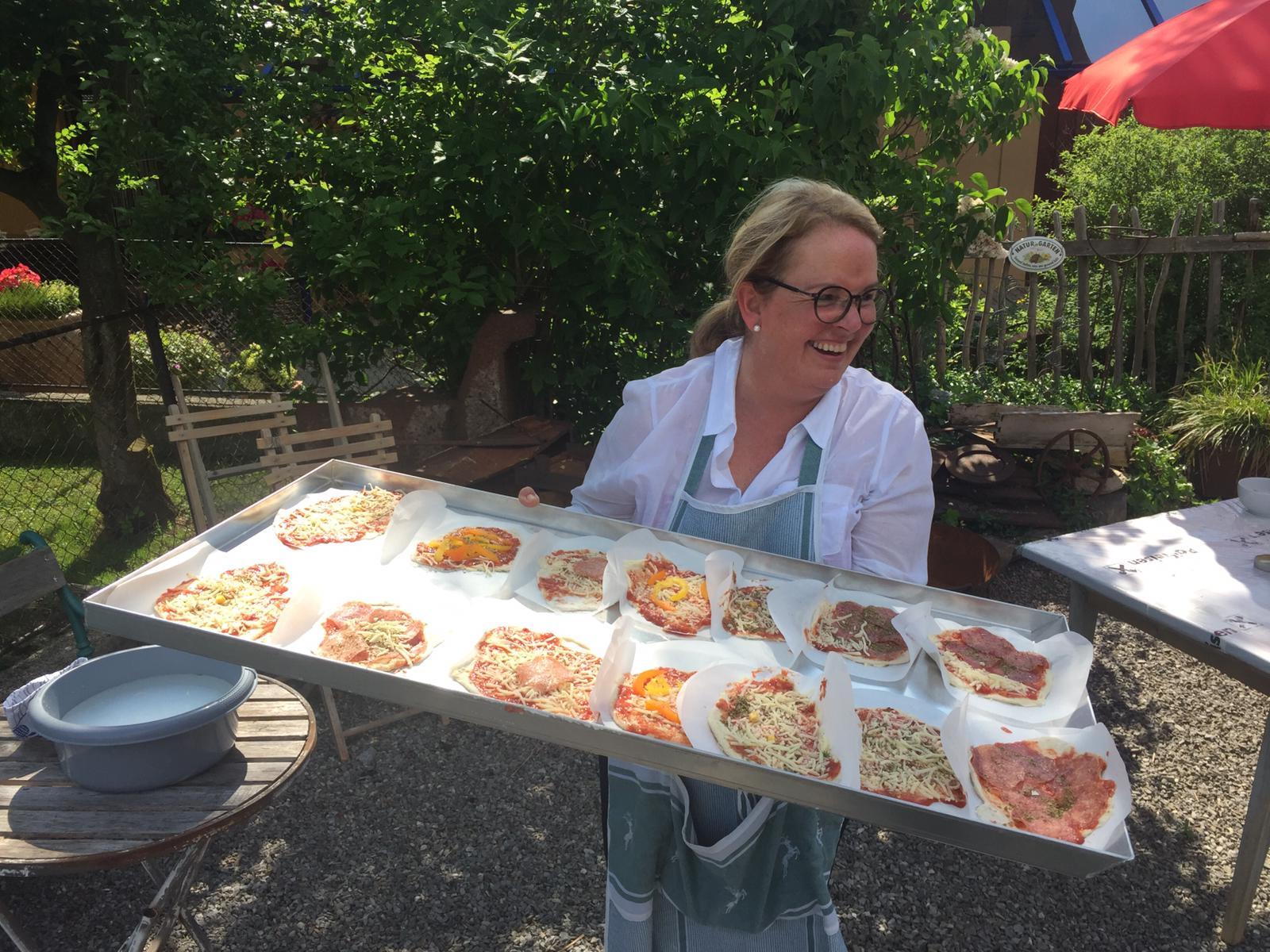 Bizau: Pizza backen für Kindergartenkinder
