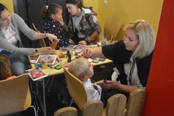 Dornbirn: Bunt geschminkte Kids bei der Herbstmesse