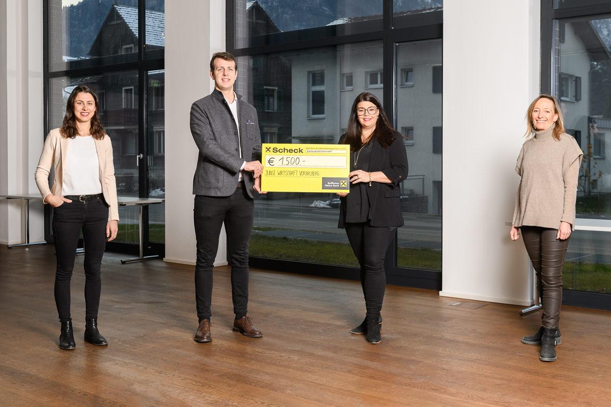 Junge Wirtschaft Vorarlberg übergibt Spende an den Vorarlberger Familienverband