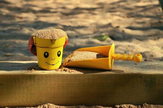 Au: Sandkastenfüllaktion