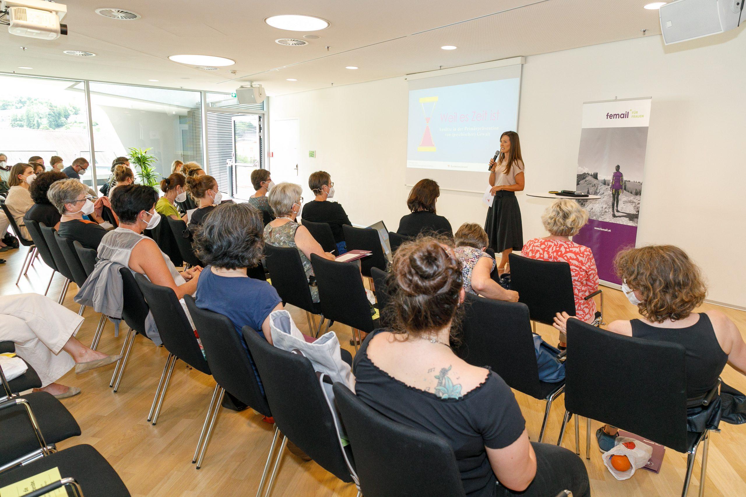 Femail: Wie kann (psychische) Gewalt verhindert werden? – Fachveranstaltung diskutiert Präventionsansätze